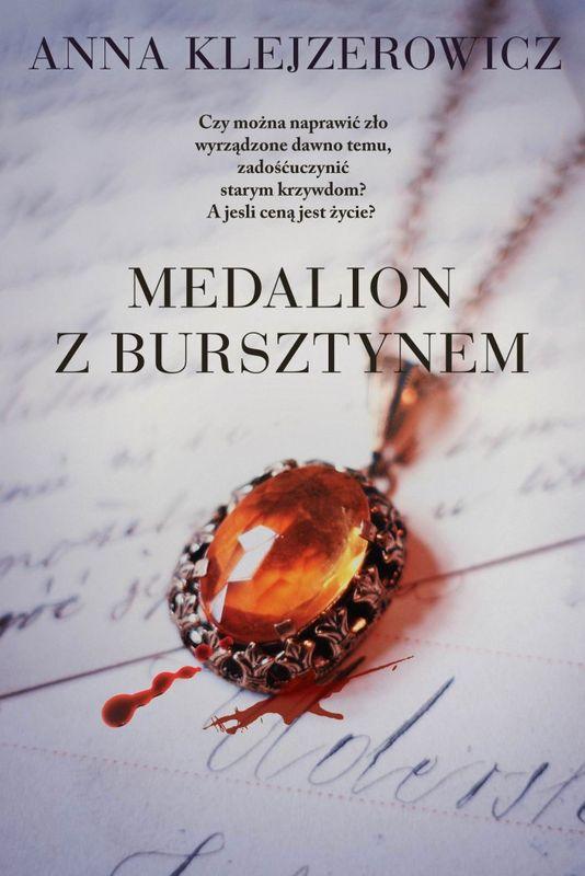 Medalion zbursztynem - Anna Klejzerowicz